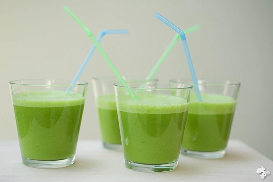 Popeye power smoothie, spinazie, banaan, amandelmelk, groene , kindvriendelijk recept