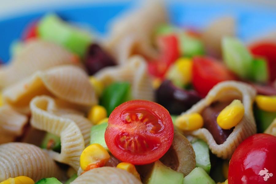 Campingkoken koken op de camping recept voor pastasalade Keet Smakelijk