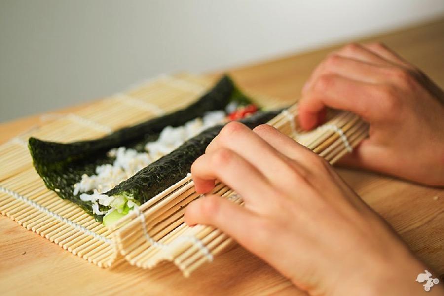 recipe vegetarian sushi Veggi Rider Kids Cook Monday little chefs