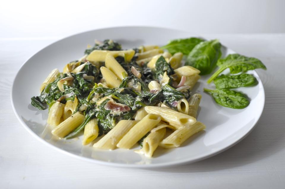 pasta met spinazie en artisjok