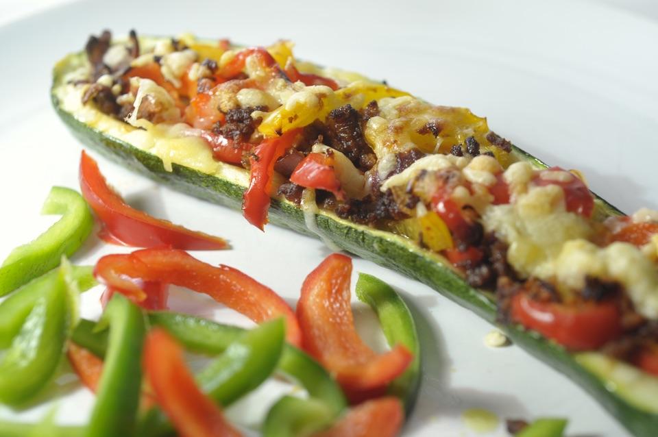 Beroemd Gevulde courgette met paprika, vegetarisch recept - Keet Smakelijk &HE68